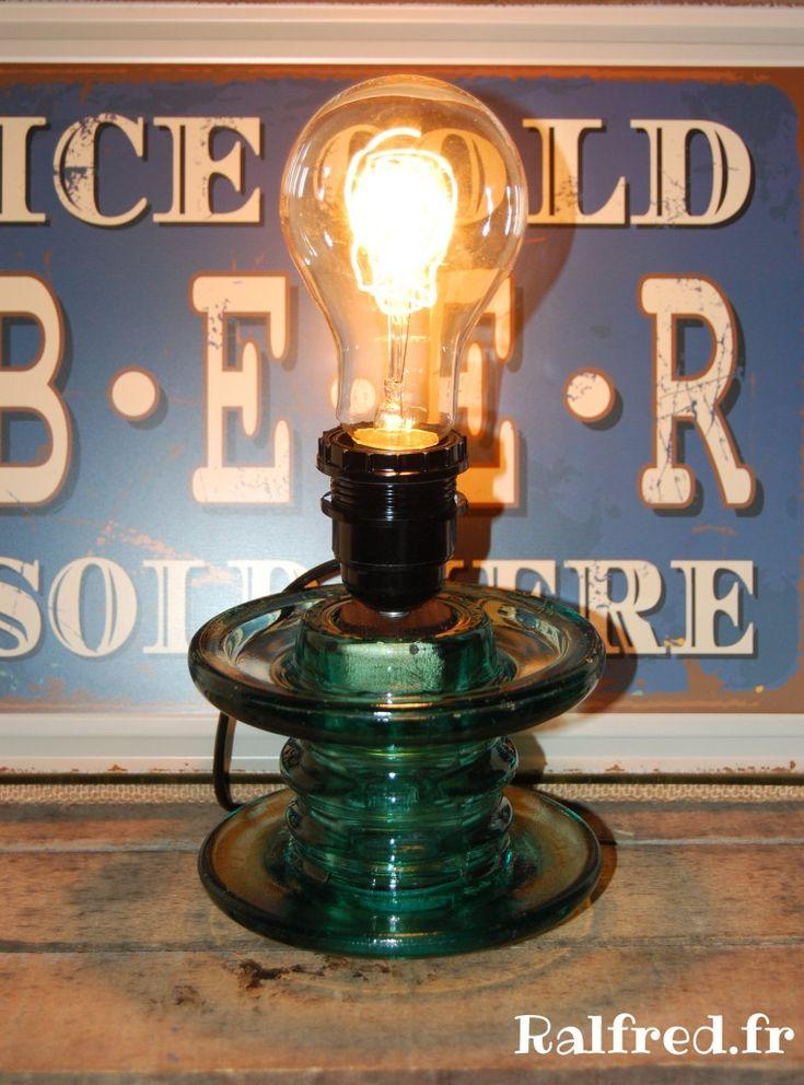 Ma lampe Edison avec un isolateur en verre de ligne électrique