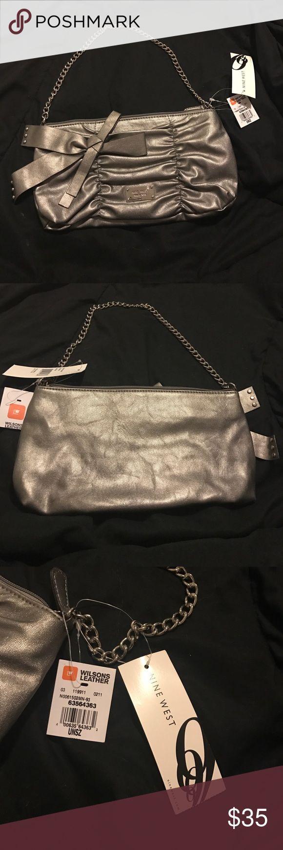 NWT NINE WEST PURSE Grey zipper on the outside and inside Nine West purse. NWT. Nine West Bags Clutches & Wristlets