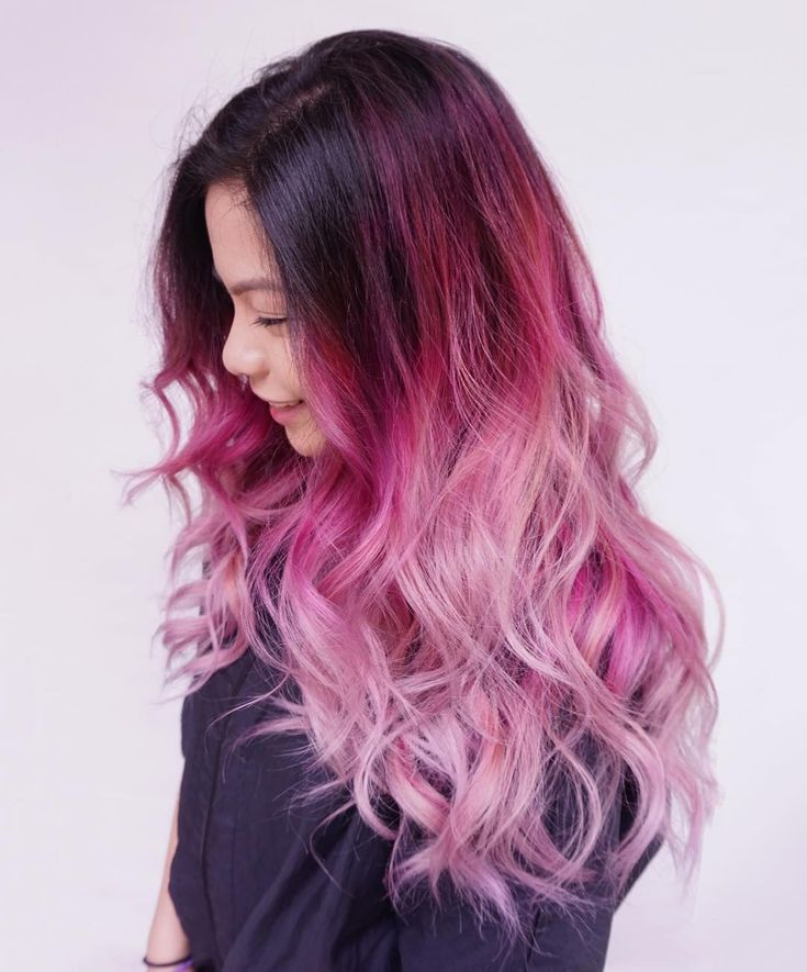 Pink hair with dark roots!! Grab similar curls with a 32mm classic wand