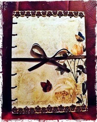 Agenda Personalizata Flowers http://paintynotes.ro/flowers/