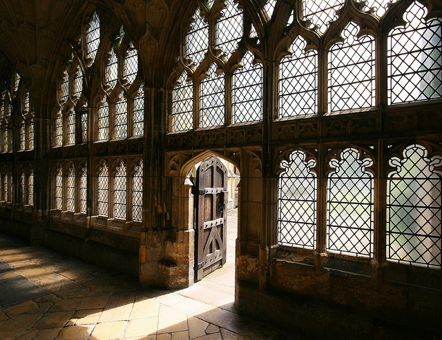 The doorway to the central courtyard of Gloucester Cathedral, via the Cloisters.