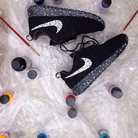 nike roshe run oreo black