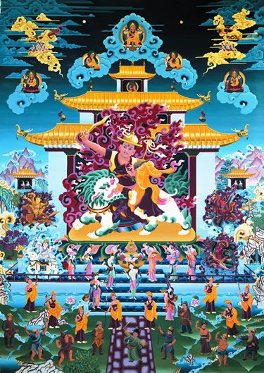 Buda Doryhe Shugden aparece en un aspecto protector, como Protector del Dharma (las enseñanzas de Buda), por ser emanación de Manjushri, Buda de la Sabiduría, ayuda, guía y protege a quienes practican con sinceridad concediéndoles bendiciones, incrementando su sabiduría y colmando sus deseos virtuosos. Sus funciones principales son disipar los obstáculos que impiden el logro de realizaciones espirituales, y facilitar todas las condiciones necesarias para su desarrollo espiritual.