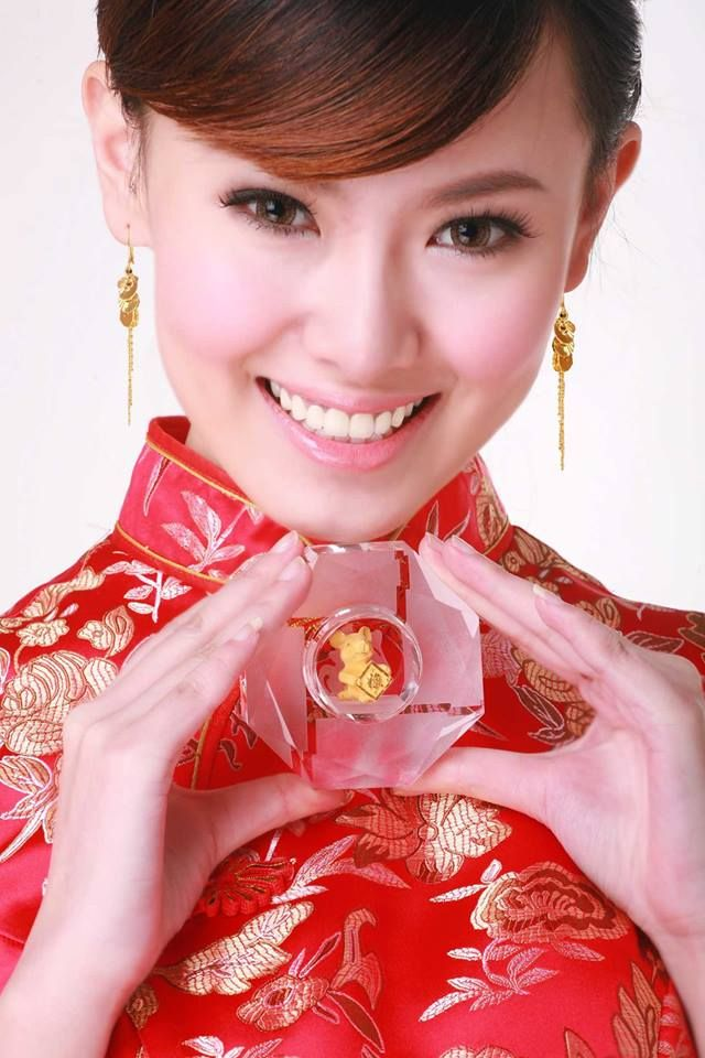 http://www.cultureincart.com/story/chinese-cheongsam-qipao