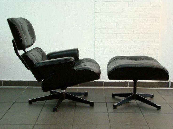 """""""Lounge Chair"""" von Charles Eames für Vitra in schwarzem Leder"""