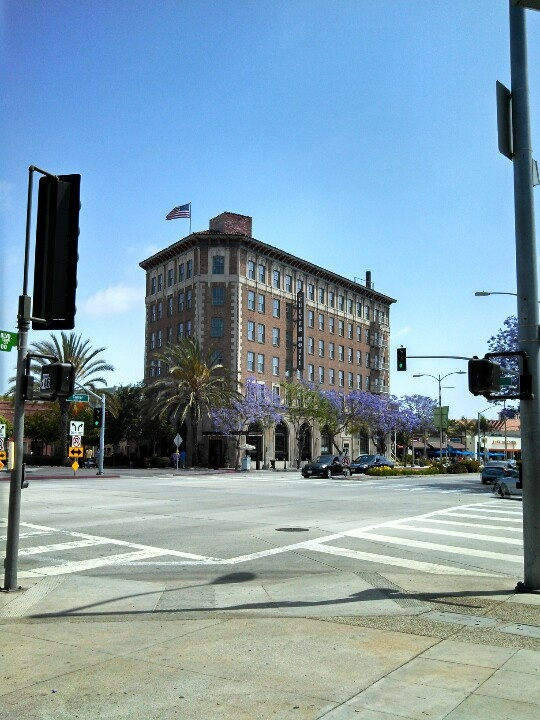 Culver Hotel Home Of The Munchkins City Californiahotels