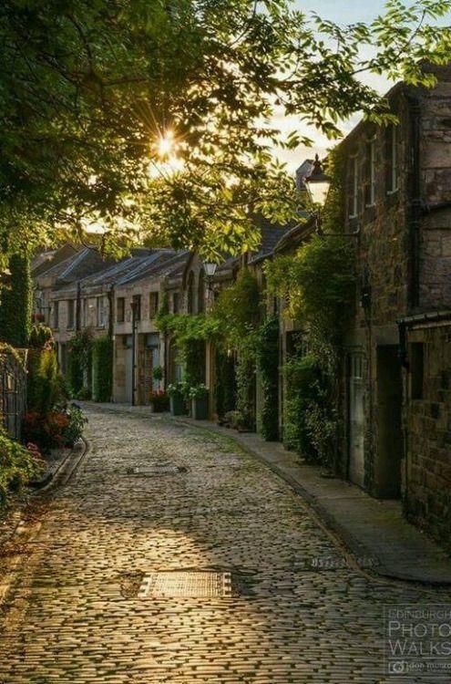 wanderthewood: Circus Lane, Edinburgh, Scotland by Don Munro