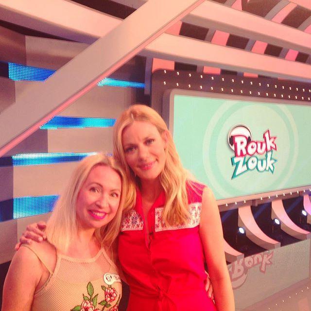 Με την αγαπημένη & ταλαντούχα Zeta Makrypoulia Al παίξαμε #RoukZouk ❣ τι καταπληκτική εμπειρία! Ευχαριστούμε ΑΝΤ1 ❤️ — Vicky's Style
