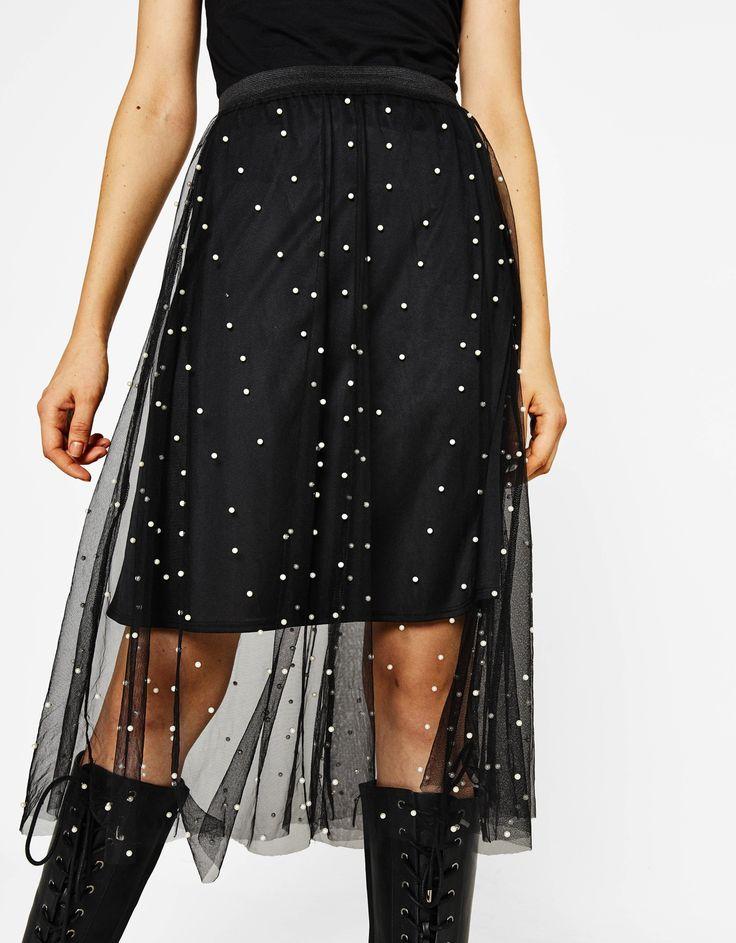 Midi sukně s perlami. Objevte tento a mnoho dalších výrobků u Bershky s novými výrobky každý týden