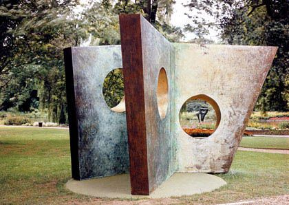 Three Obliques (Walk-In), Bronze, 1968 (BH 473, edition of 2 + 0), a cast at Cardiff University (School of Music)    Photographed in Syon Park, London, in 1969.