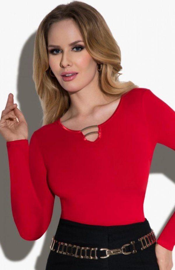Eldar Marta bluzka czerwona Kobieca bluzka, wykonana z miękkiej i elastycznej tkaniny, na dekolcie biżuteryjne zdobienie