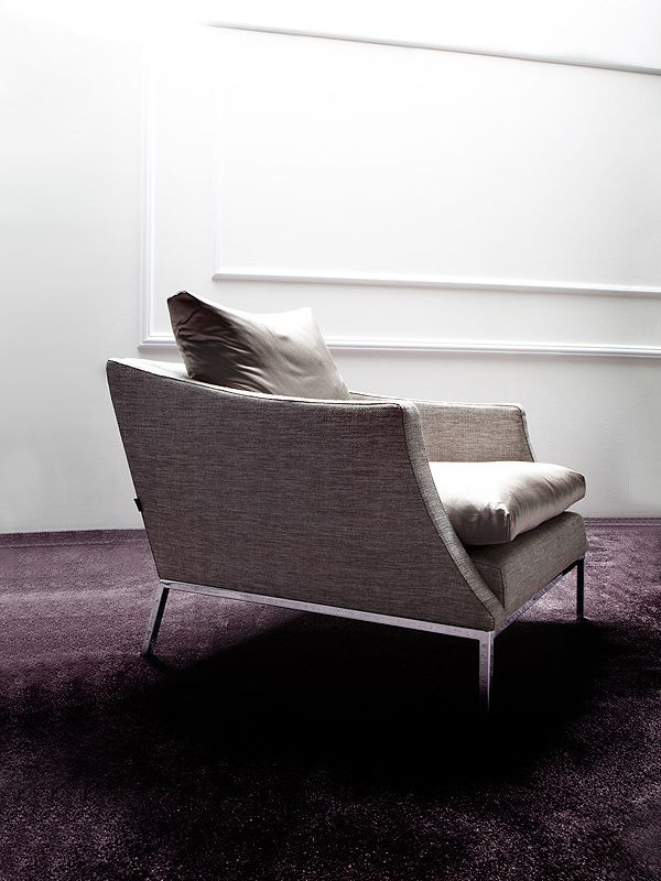 Legenda armchair