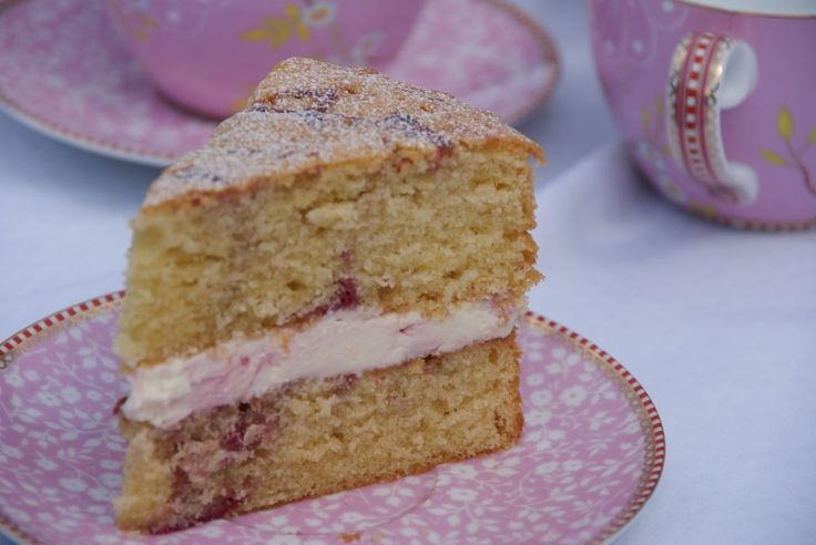Raspberry Ripple Cake | Baking, Recipes and Tutorials - The Pink Whisk