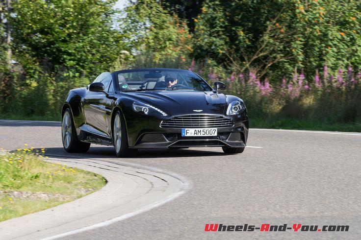 Malgré l'arrivée de la DB11, la Vanquish reste le fleuron de la gamme Aston Martin. Après notre essai du coupé en 2013, nous avons l'occasion de prendre les commandes de la déclinaison …
