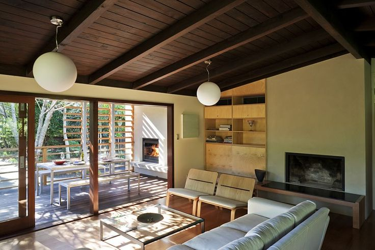 #decoración #interiorismo #arquitectura Un oasis residencial rodeado de plantas. Más en: http://greenandfreshdecor.blogspot.com.es/2014/07/un-oasis-residencial-rodeado-de-plantas.html