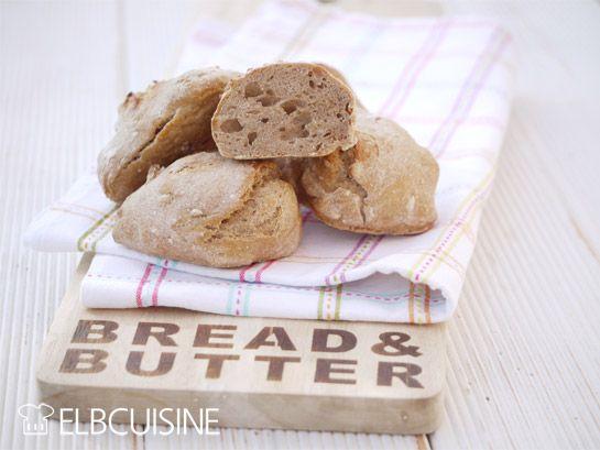 Bei uns gibt es seit einigen Tagen frische und gesunde Brötchen zum Abendbrot. Wir lieben frisches Brot und kaufen meist nur eine kleine Menge. Daher ist eigentlich täglich die Frage, wo kaufe das Brot heute. Ich freue mich genauso wie meine Kids ü ...