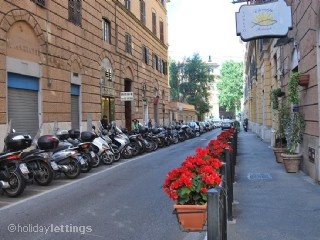 1 bedroom apartment in Rome to rent from £313 pw. With air con, TV and DVD.
