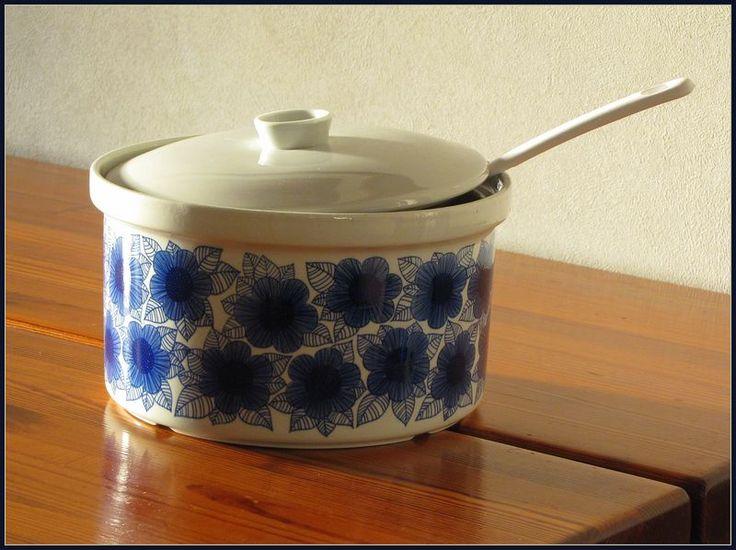 Arabia MALVA pattern, designed by Esteri Tomula