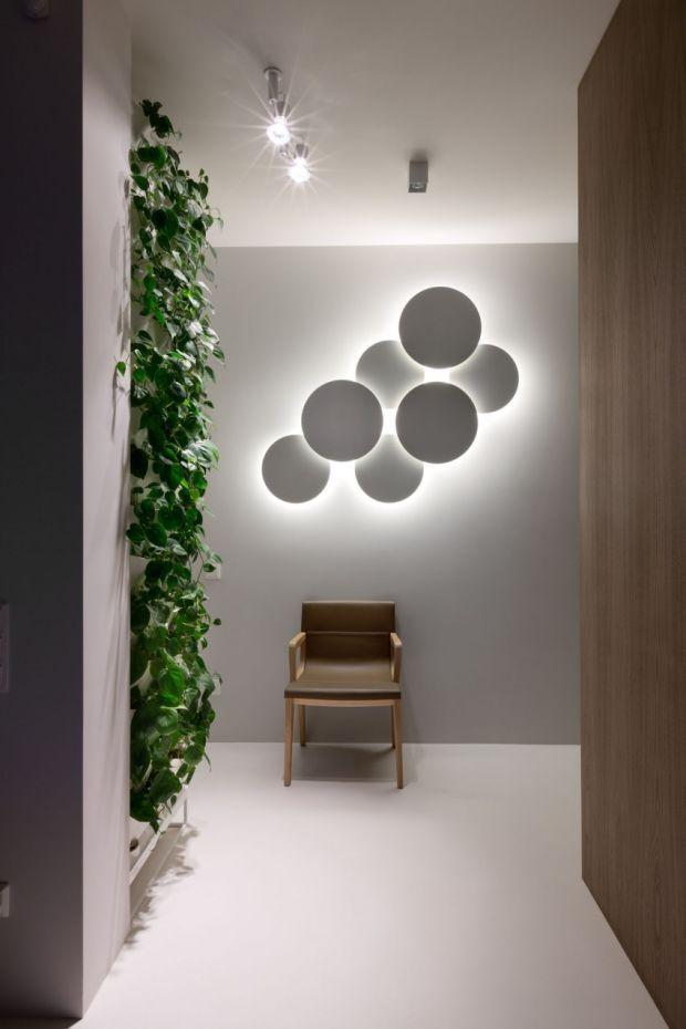 El diseñador Jordi Vilardell ha creado las lámparas Puck Wall Art para Vibia