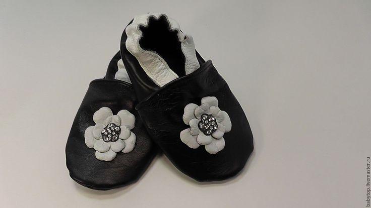 Купить Детские тапочки- чешки (от0-11лет) - черный цвет, пинетки, Тапочки ручной работы