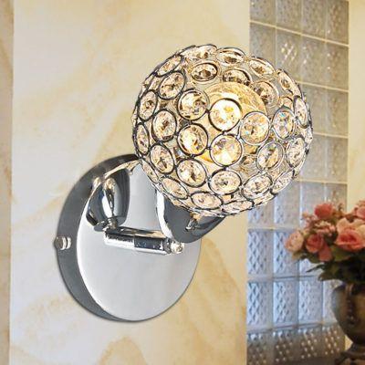Ponúkame exkluzívne interiérové svietidlá a osvetlenie, obzvlášť svietidla pre obývačky, kúpelne, kuchyne a pod. Moderné nástenné svietidlá za nízke ceny