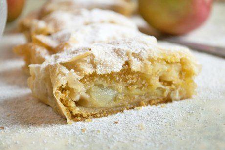 Südtiroler Apfelstrudel schmeckt einfach köstlich. Apfelstrudel-Rezepte gibt es viele. Aber dieses aus Südtirol ist der Knaller.