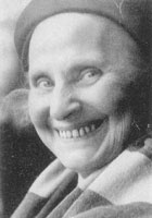 """Elsa Gindler la pionera de las gimnasias o métodos de trabajos corporales conscientes. VIERNES 8 DE MARZO A LAS 20:30H.  """"MUJERES QUE ABREN CAMINOS"""".  Homenaje a todas las mujeres pioneras..."""