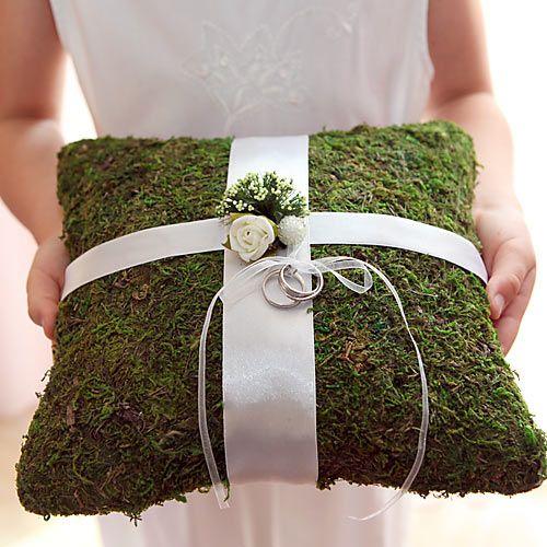 PODUSZKA na obrączki z mchu naturalna - idealna na ślub w rustykalnym stylu! #slub #wesele #sklepslubny