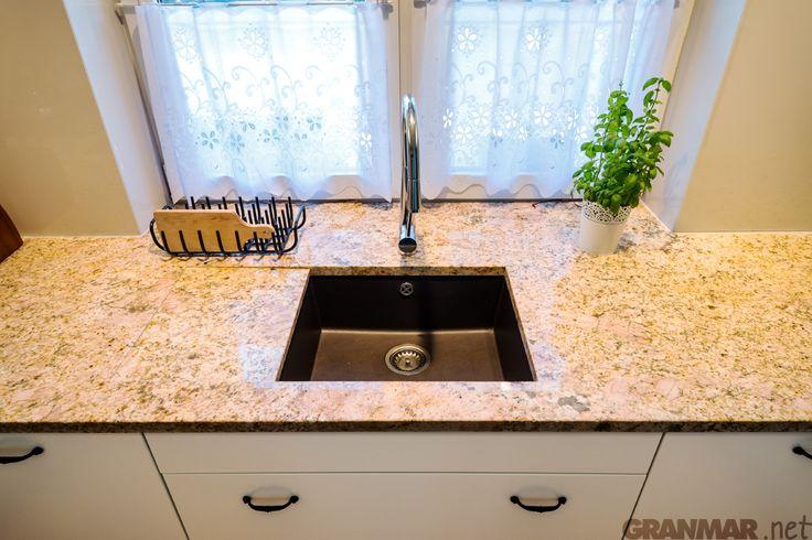 Blat kuchenny z ociekaczem z granitu Imperial Gold GRANMAR.net