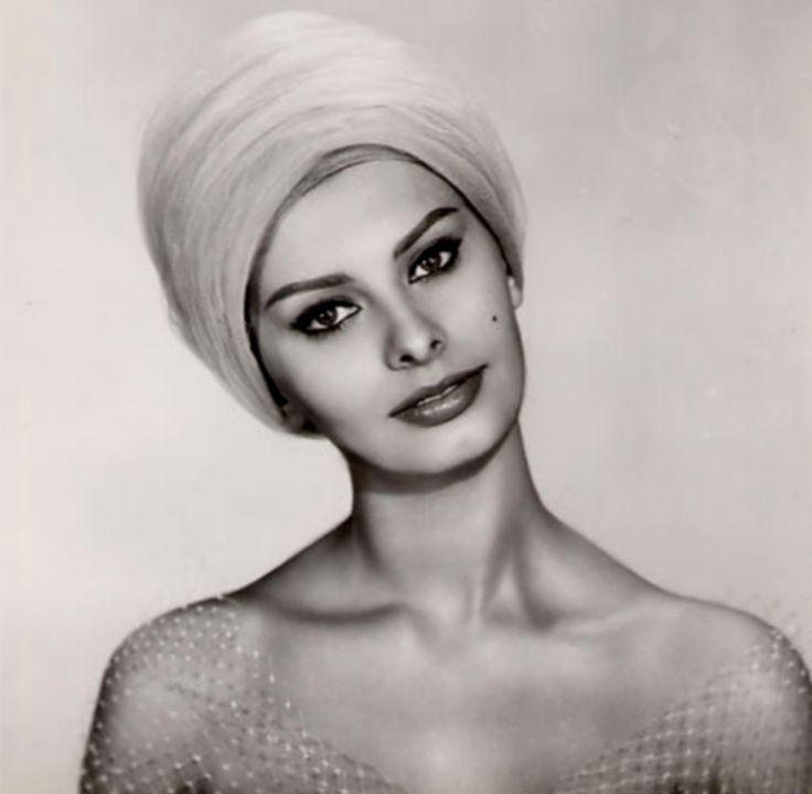 Sophia Loren, photo by Mario de Biasi