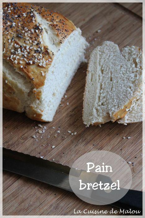 J'avais déjà partagé avec vous une recette de bretzels, spécialité alsacienne, ainsi que les malicettes/mauricettes, ces petits pains fait de la même pâte que les bretzels, très appréciés à l'apéro. Ici, c'est un nouveau test ! En fait, j'avais... #alsace #boulange #bretzel