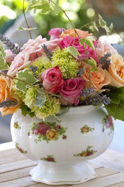 Flores para fiesta de té del Victorian