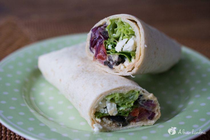 Wrap de hummus y verduras, sencillo y sano. http://abuenhambre.com/entradas/recetas/wrap-vegetal-llenos-de-sabor-wrap-de-hummus-y-verduras/