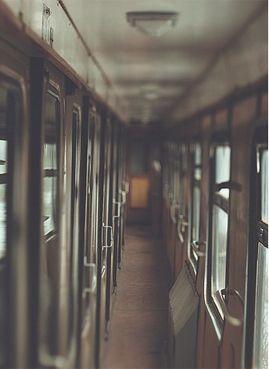 Couloir de train, le matin au réveil après un train de nuit :)