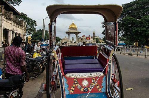 A short walk around the historic city of Mysore