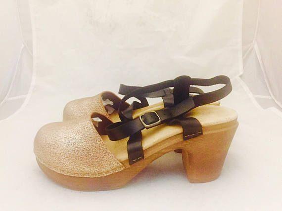 Klompen hout Platform wig gouden sandalen gemaakt in Zweden