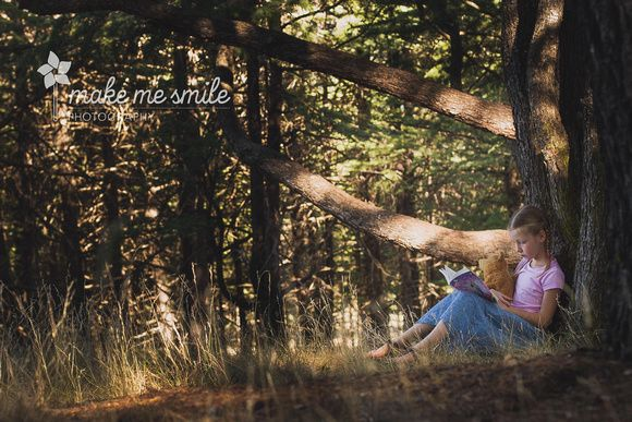 Canberra Child Photography, Make Me Smile Photography, Arboretum and books