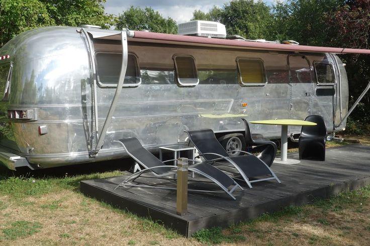 Regardez ce logement incroyable sur Airbnb : Caravane américaine airstream - Camping-cars/caravanes à louer à Saintry-sur-Seine: caravane americaine & caravane américaine