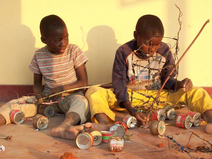 25 best images about jeux et jouets d 39 afrique on pinterest africa mars and trucks. Black Bedroom Furniture Sets. Home Design Ideas