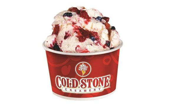 Cold Stone Creamery: Skinny Vanilla with Strawberries, Caramel and Almonds
