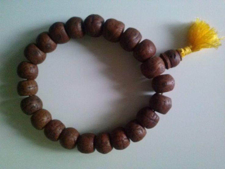 Mala (armband) Bodhiboom http://www.heaven-on-earth.nl/c-3037862/mala-powerbeads/