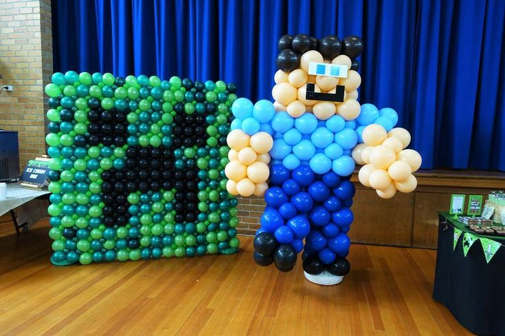 Amazing balloons at a Minecraft birthday party! See more party ideas at CatchMyParty.com!