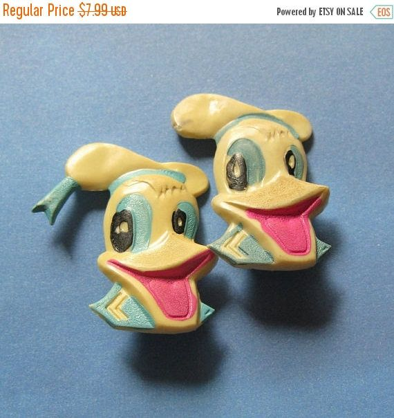 This listing is for a 2 soviet pins with ducks cartoon character. The badges made with plastic and they condition is good. This items were in 70s - 80s.  Sizing: 25 by 35 mm (1 by 1.1/4 inch).  ***************************************** When and how you will get your order?  ♥ All items will be shipped from Ukraine; ♥ All paid orders will be shipped within 48 hours; ♥ Shipping time: normally all your orders will be delivered within 14 days and that will depend a lot on your location and w...