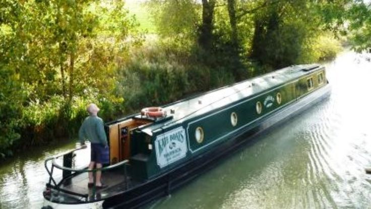Luxury Narrowboat Holidays and Self Drive Canal Boat Hire