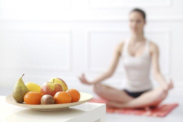 Yogische Ernährung: Teil 1 | Yoga mit Ursula Karven - Yahoo Lifestyle Deutschland