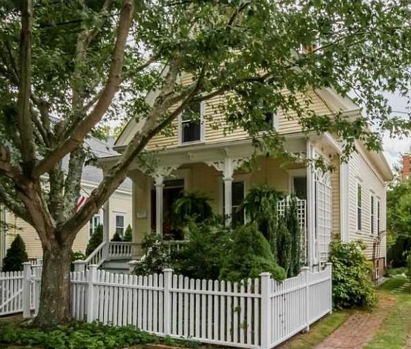 Charming Yellow Cottage From 1882 For Sale In Bristol Rhode Islane