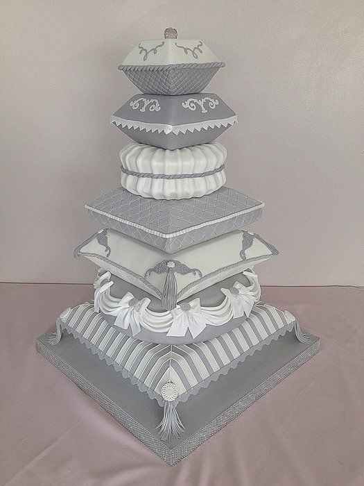 pillow wedding cake photos 17 best images about pillow cakes on arabian 18517