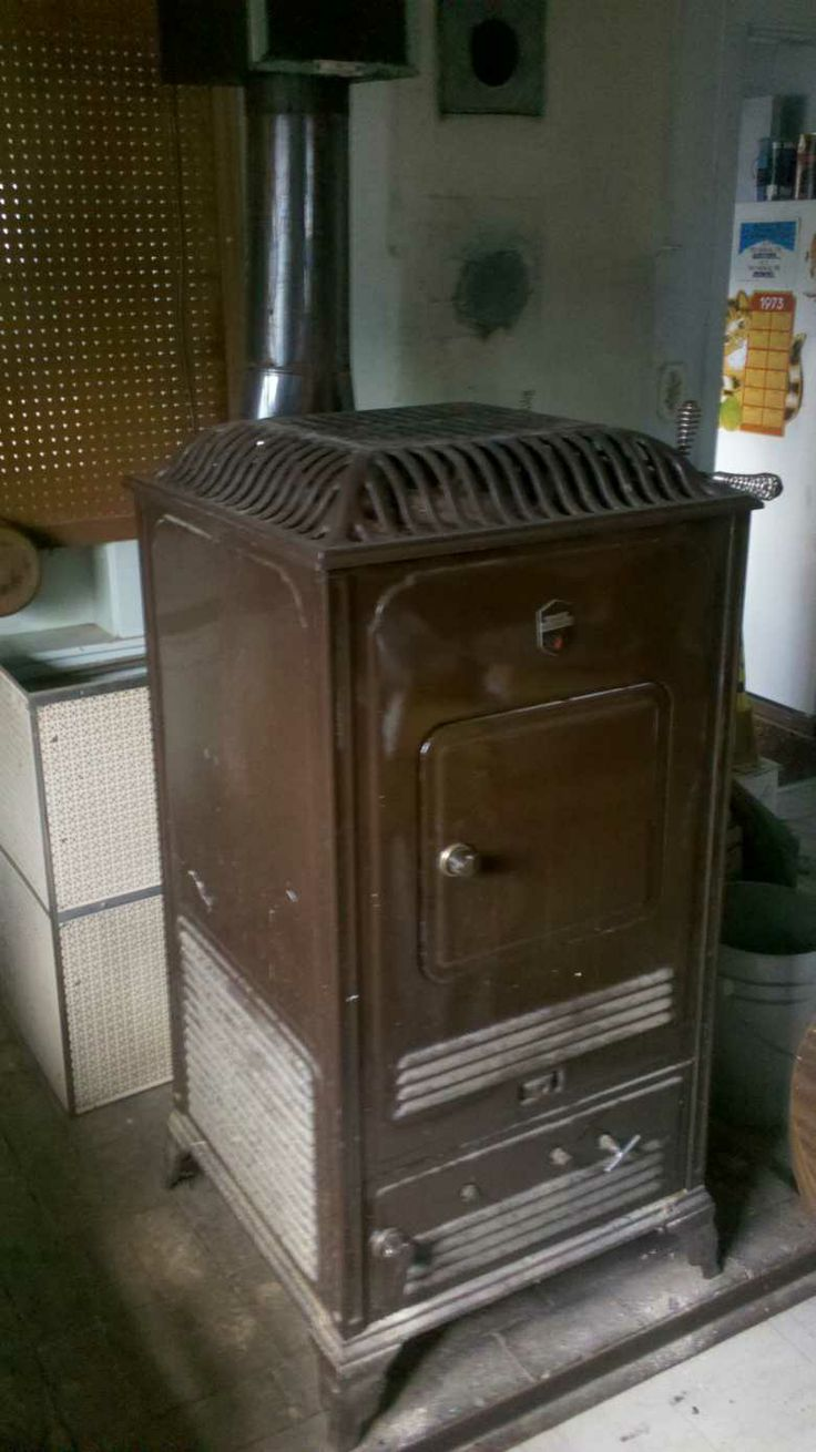 very old coal stoves | antique wood coal estate heatrola stove $ 425 the  estate stove - 124 Best COAL@WOOD STOVES Images On Pinterest