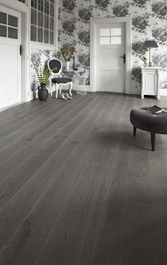 #Timberwise Oak parquet Vintage YLLÄS, dark grey gorgeous wooden floor.  #Decor #Interiordesign #Home #Mataro #Barcelona www.decorgreen.es