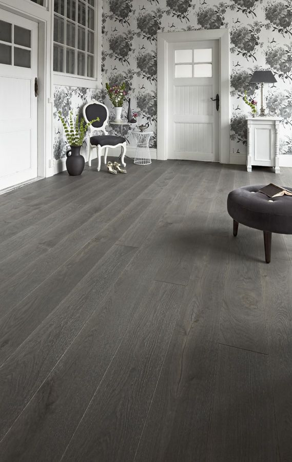 #Timberwise Oak parquet Vintage YLLÄS, dark grey gorgeous wooden floor.  #Decor #Interiordesign #Home #Mataro #Barcelona www.decorgreen.es